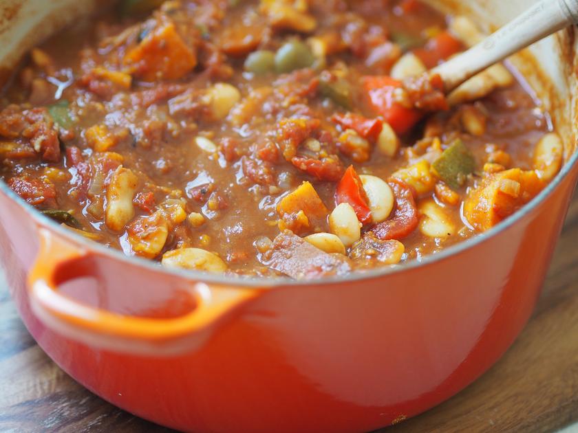 super food family classics smoky veggie chilli