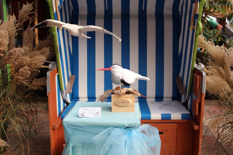 Von Kindern kreierte Zugvogelskulptur