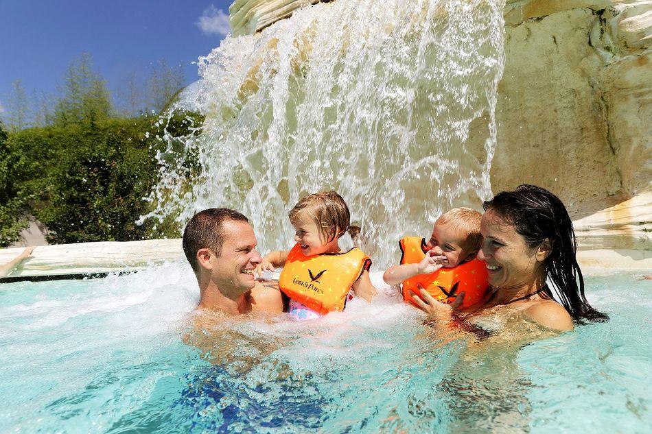 Grenzenloser Wasserspaß im Schwimmparadies Aqua Mundo