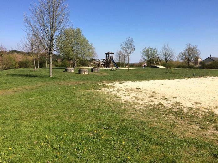 Picknicken am Abenteuerspielplatz in Park Hochsauerland