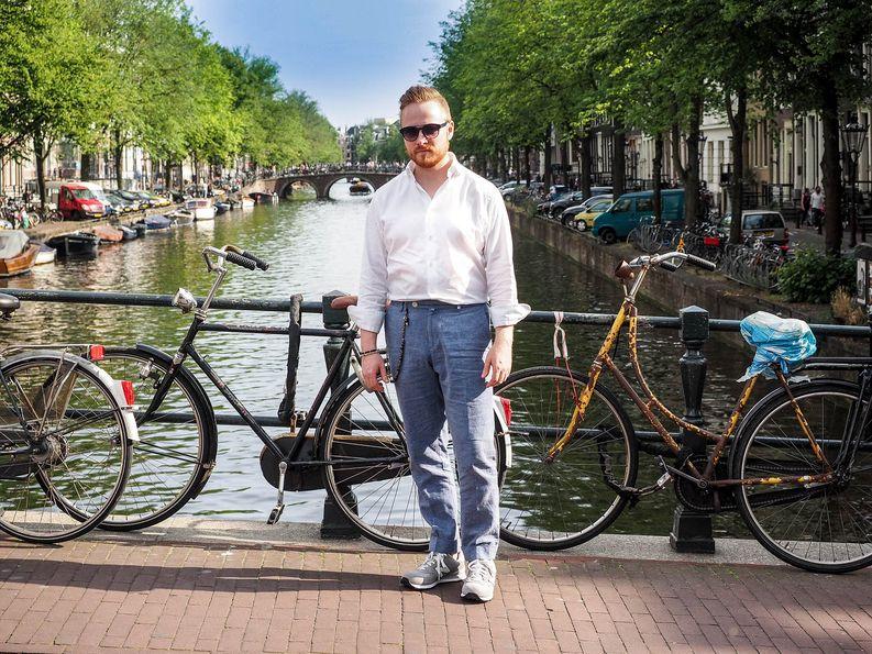 Lomaryhti - check. Ryppyiset vaatteet - check. Lenkkarit - check. Amsterdam - check.