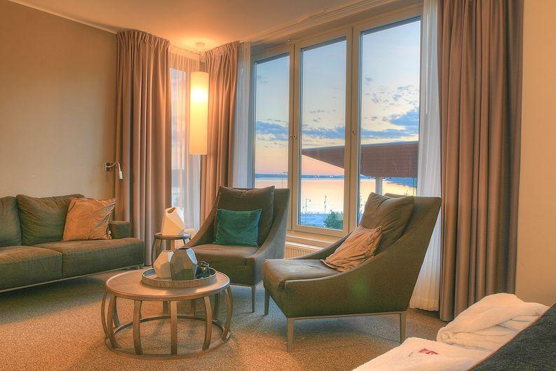 Huoneesta oli mahtavat näkymät rantaan.