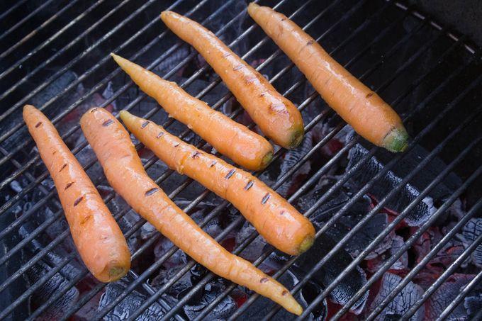 grillatut porkkanat