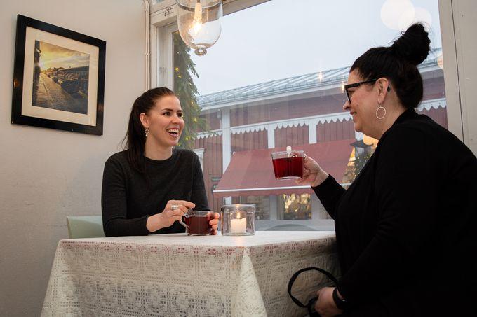 Rosa-Maria Mäkelä ja Tiina Willman, KaffeBar