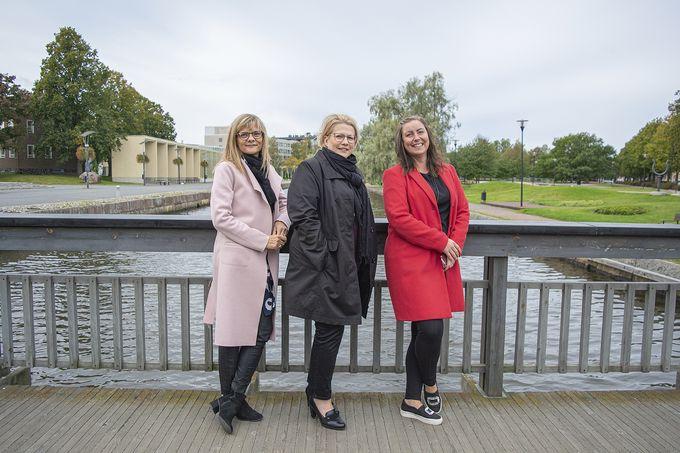 OP:n Maarit Vaahtera, Satu Pihlajamäki ja Susanna Okkonen