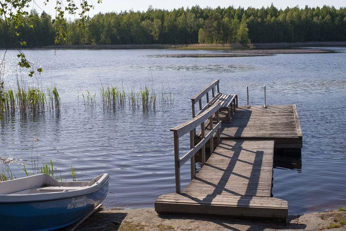 Pitkäjärven rantasaunan laituri