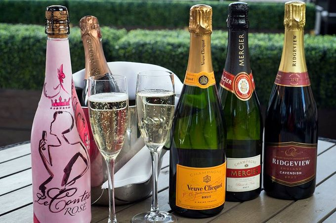 Get 20% off bottles of fizz at Browns during Style Sheffield
