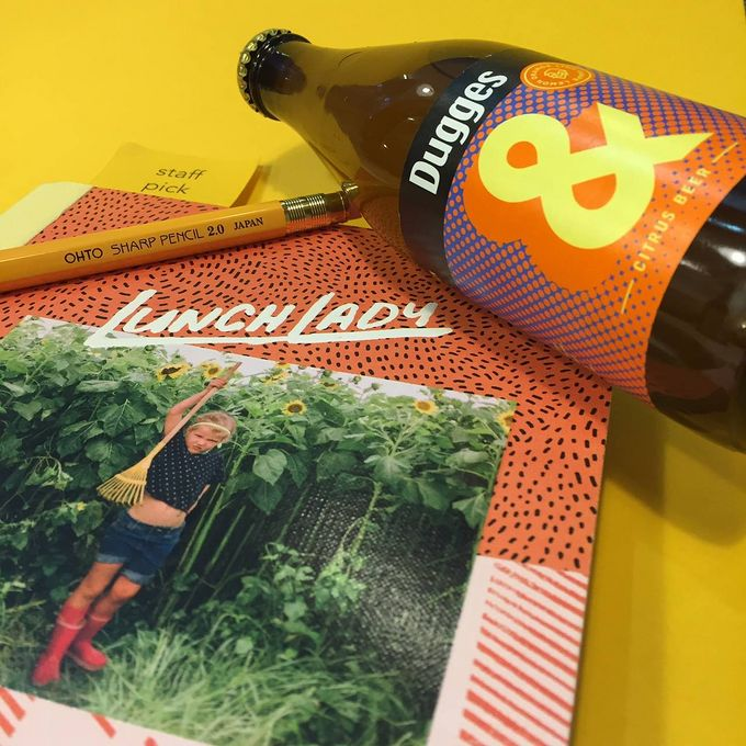 Pick up an indie mag and a bottle of beer at La Biblioteka.