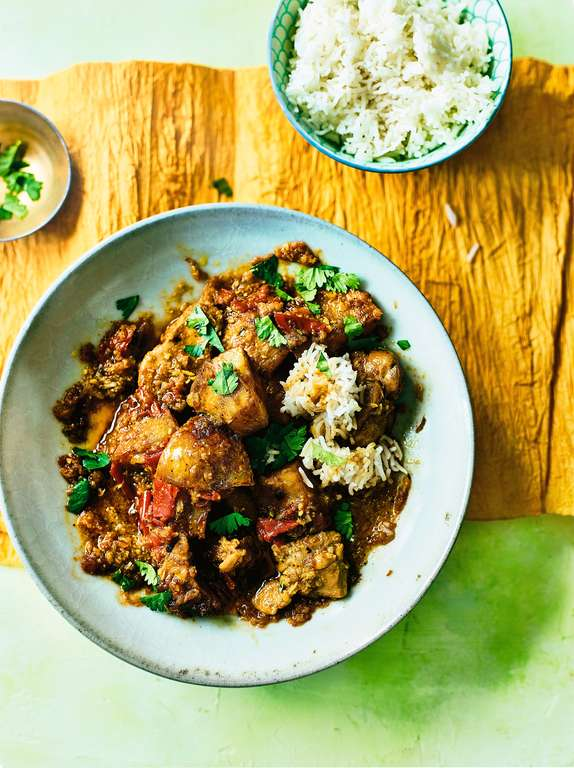 Chicken Potato Curry: Kyet Tha Aloo Hin