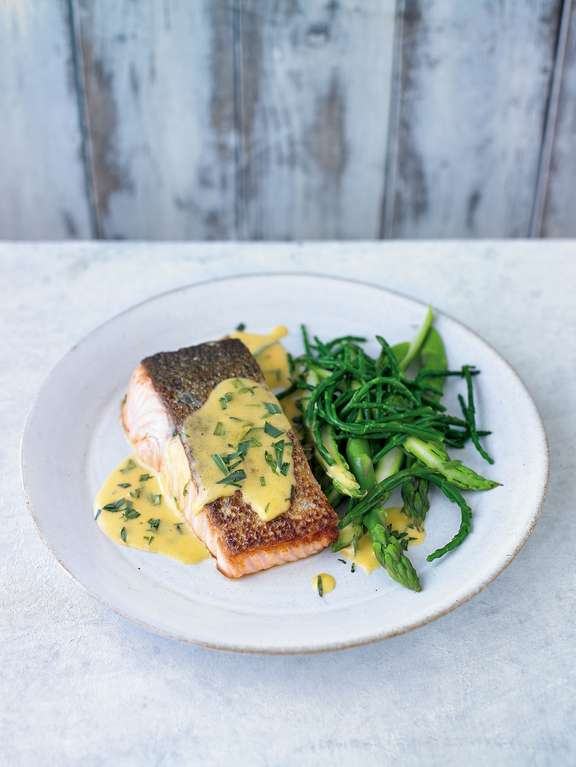 Salmon with Tarragon Hollandaise