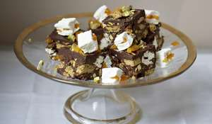 Apricot and Pistachio Tiffin