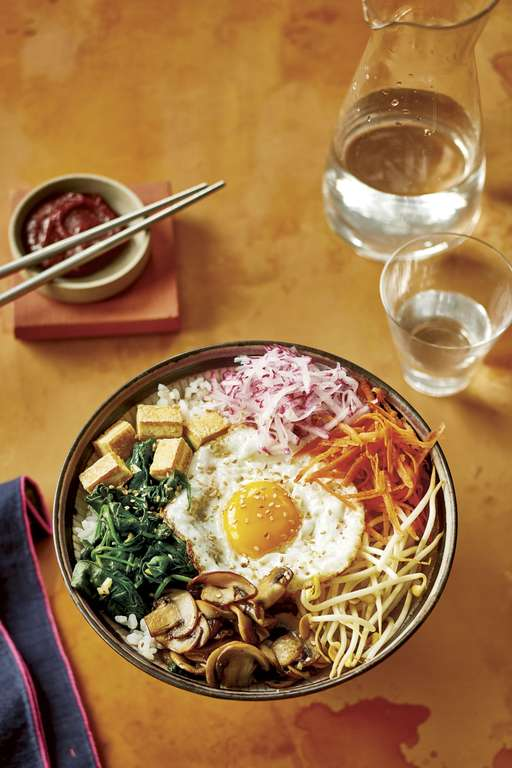 Easy Korean Rice Bowl (Bibimbap)