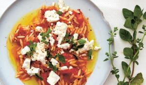 Orzo Pasta, Spicy Tomato Sauce & Feta