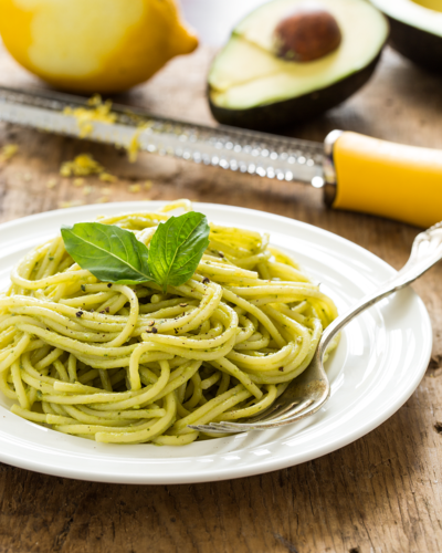 15 Minute Creamy Avocado Pasta - The Happy Foodie