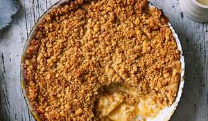 Apple and Custard Crumble