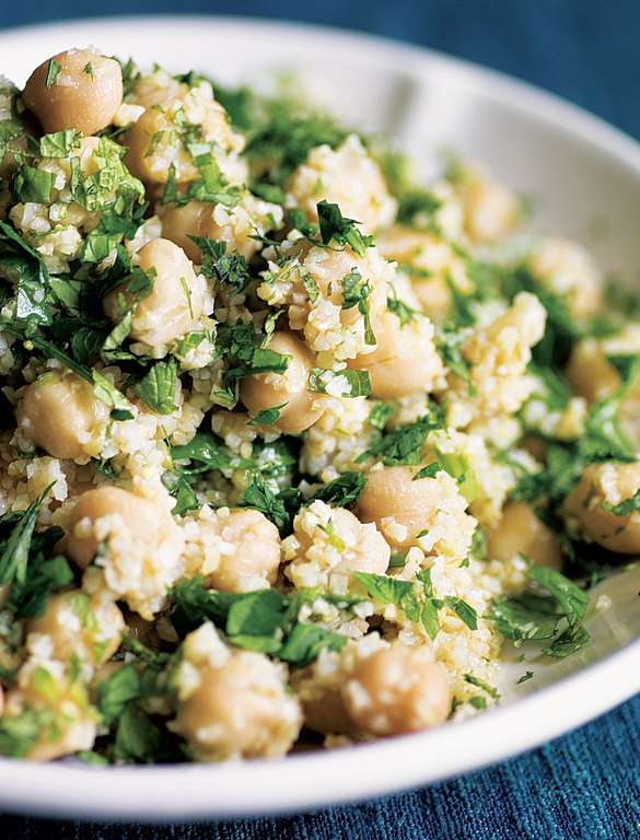 Bulgur and Chickpea Salad (Safsouf)