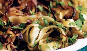 Lentils with Pasta and Caramelized Onions (Rishta Bi Addas)
