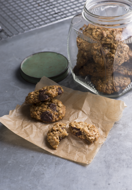 Banana Chocolate-Chip Oat Cookies