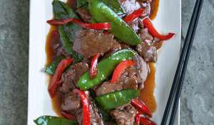 Stir-fried Pepper Beef with Mangetout