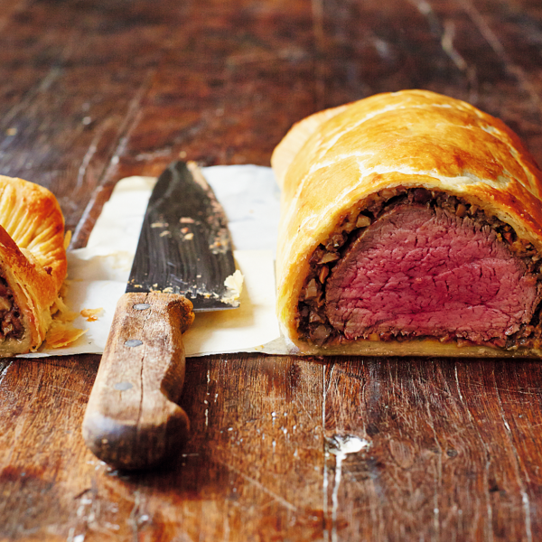 Beef wellington the happy foodie beef wellington from jamie olivers comfort food cookbook a delicious dinner party recipe and great for entertaining friends and family at christmas forumfinder Images