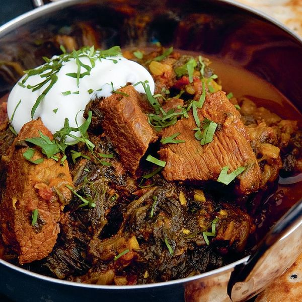 Beef and spinach curry the happy foodie this crowdpleasing curry recipe is an easy meal to rustle up for friends with beef steak and earthy spinach the curry base blends cumin turmeric and forumfinder Image collections