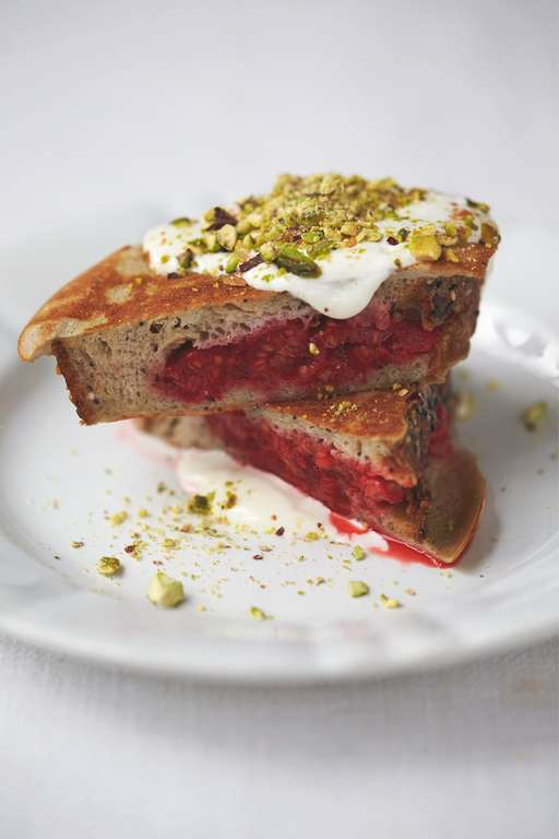 Berry Pocket Eggy Bread Pistachios, Yoghurt, Honey & Cinnamon
