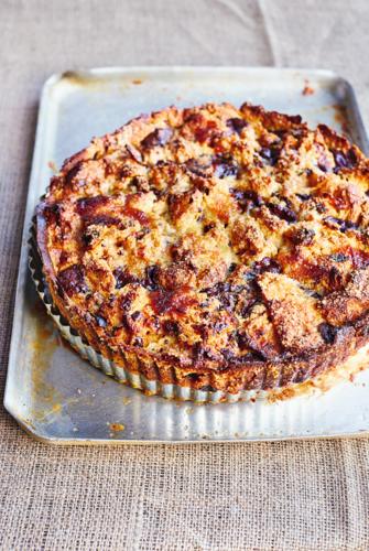 Bonkers Bread & Butter Panettone Pudding Tart