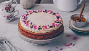 Carrot Cake with Apricots and Honey-yogurt Icing Recipe | Natural Baking