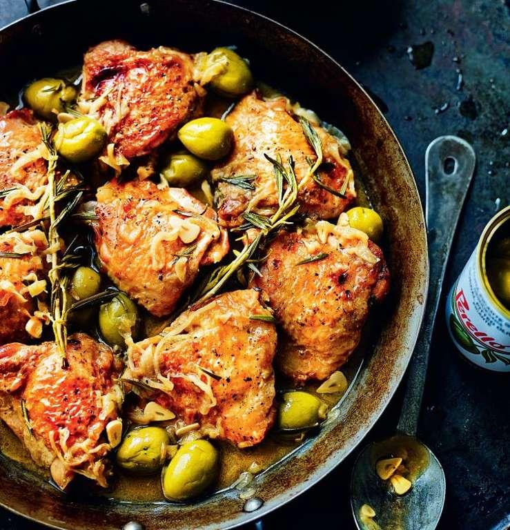 Chicken with Spanish Olives (Pollo Con Salsa De Aceitunas Españolas)