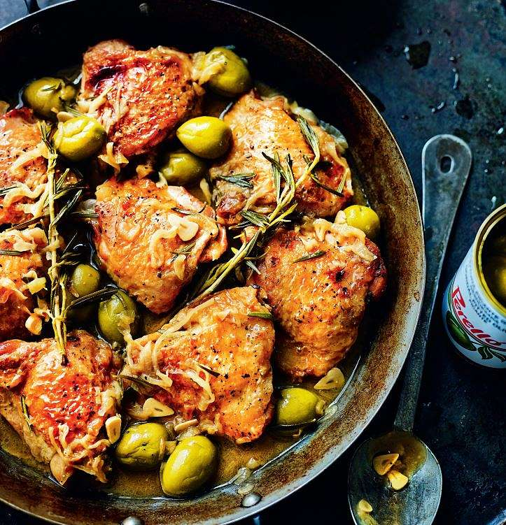 Chicken with Spanish Olives (Pollo Con Salsa De Aceitunas Españolas)