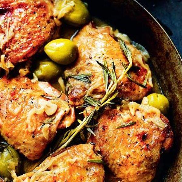 Chicken With Spanish Olives Pollo Con Salsa De Aceitunas Espaolas