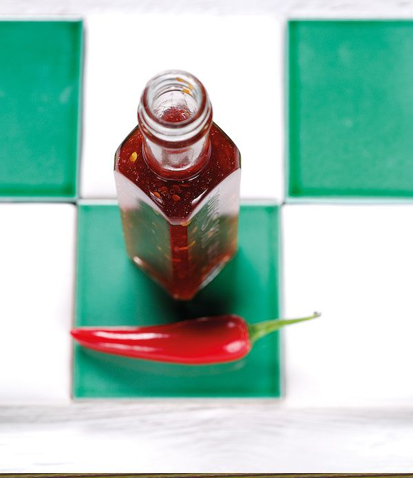 how to make sweet thai chilli sauce the hot sauce cookbook heather thomas