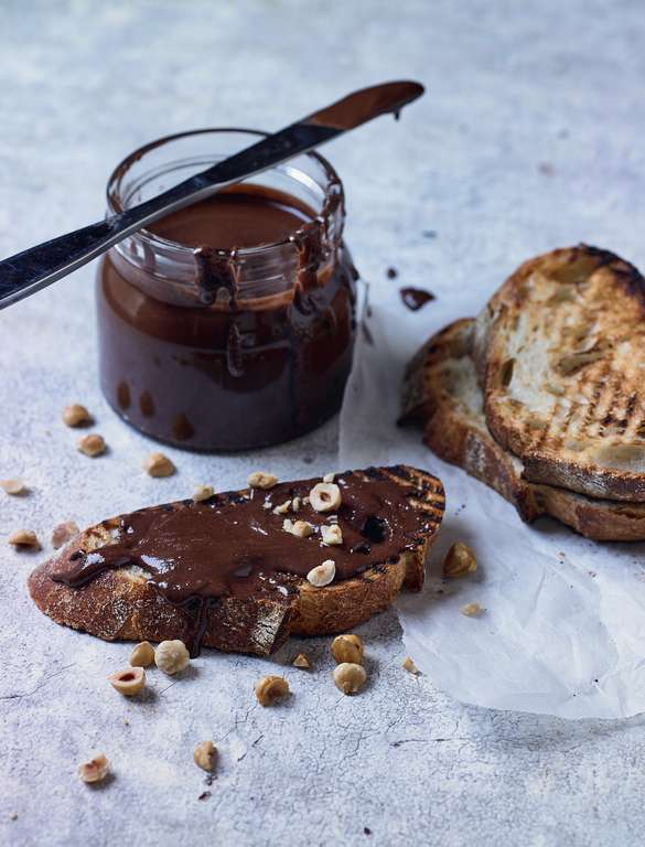 Rich Vegan Chocolate Spread