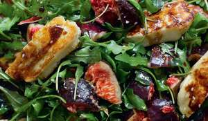 Fresh Figs or Pears with Halloumi and Rocket