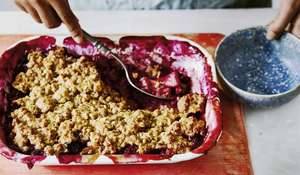 Rachel Ama's Apple Berry Crumble | Vegan Bake