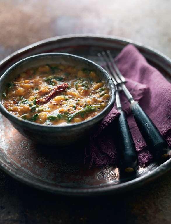 Chana Dal with Spinach and Tomato (Saag-Tamatar wali Chana Dal)