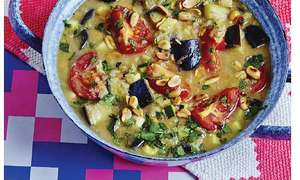 Courgette and Aubergine Curry