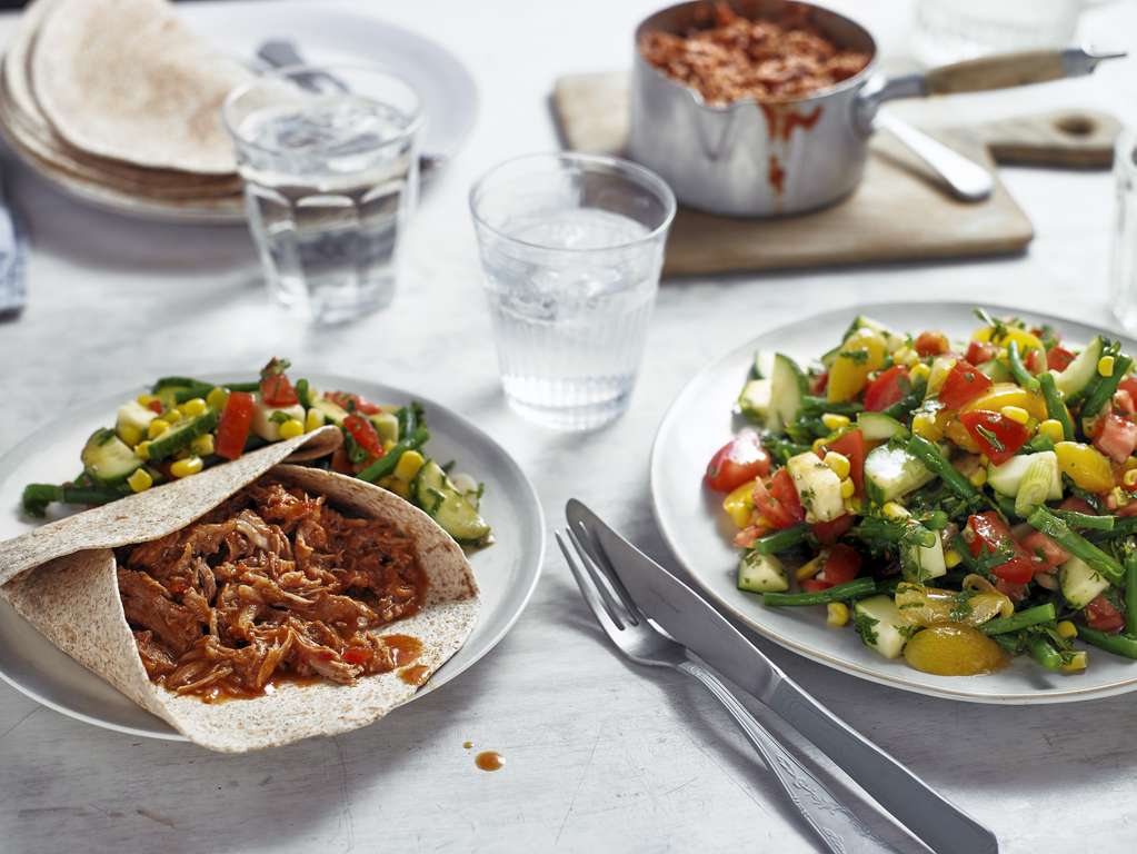 Slow Cooked Pulled Pork with Salad