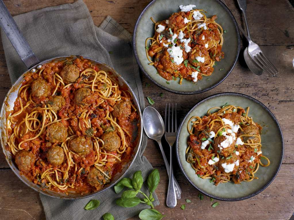 Meatballs and Pasta Sauce