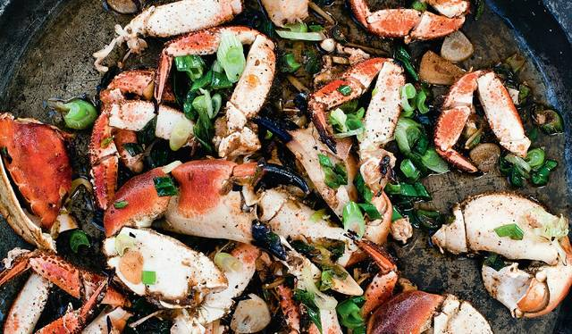 Stir Fried Crab With Ginger And Spring Onions The Happy Foodie
