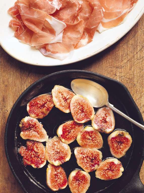 Prosciutto with Figs Poached in Honey (Prosciutto con Fichi al Miele)