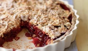 Warm Cherry Crumble Pie