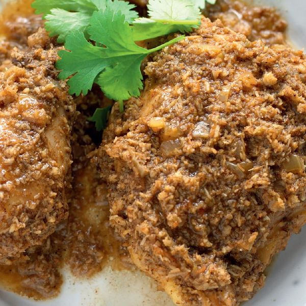 Madhur jaffreys goan style chicken with roasted coconut this authentic goan style chicken curry recipe is one of madhur jaffreys favourites the combination of moist chicken with rich coconut and aromatic forumfinder Image collections