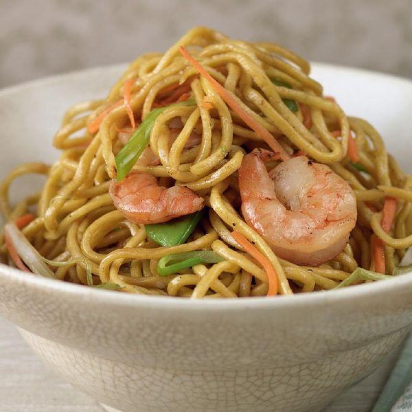 Prawn chow mein the happy foodie prawn chow mein freerunsca Gallery