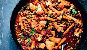 Cauliflower, Olive and Lentil Tagine | Slow Cooker Recipes