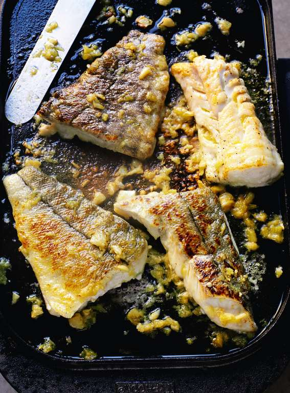 Haddock a la plancha with caramelized garlic