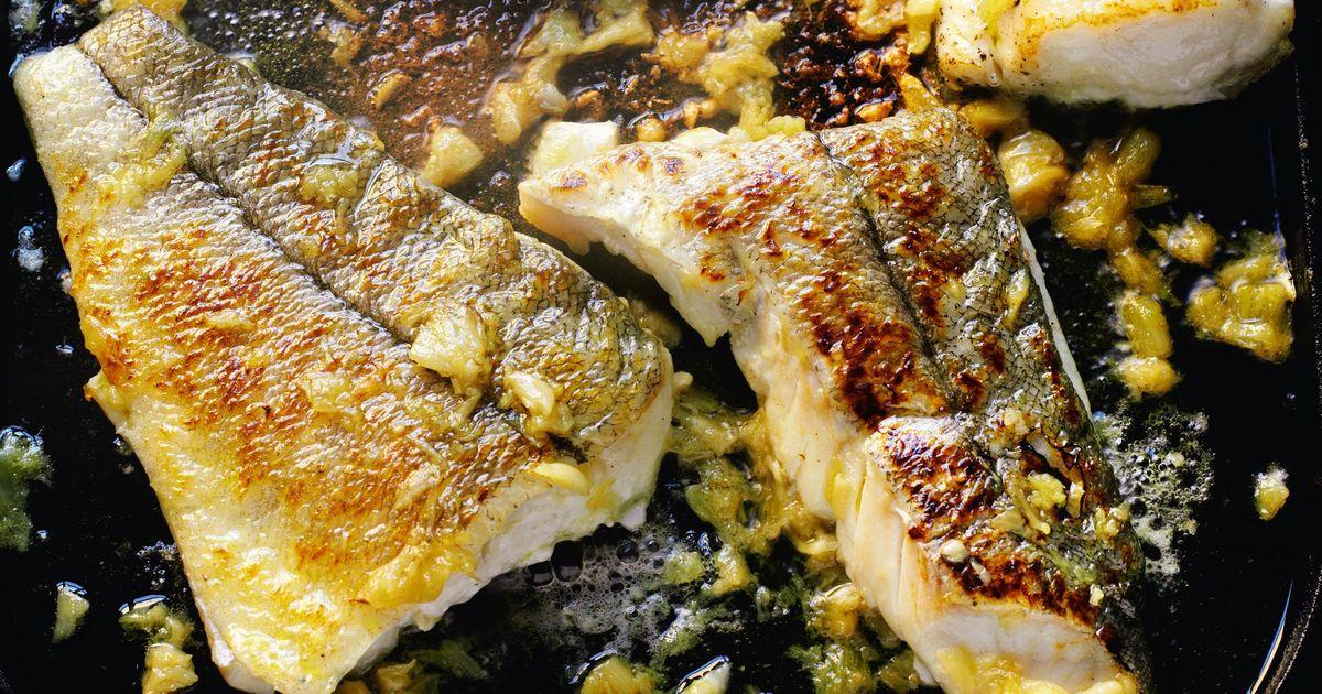 Haddock a la plancha with caramelized garlic - The Happy Foodie