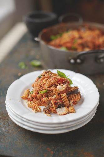 Happiness Pasta Sweet Tomato, Aubergine and Ricotta - Jamie Oliver Everyday Super Food