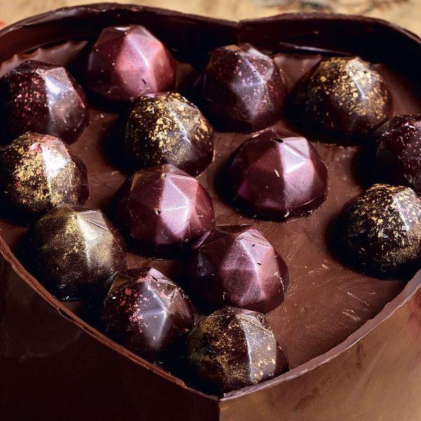 Heart Shaped Chocolate Box Cake The Happy Foodie