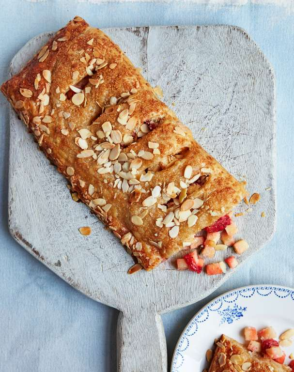 Hidden Clove, Apple and Strawberry Strudel
